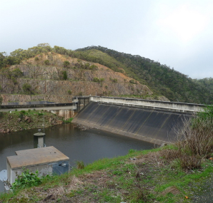 Small power producing dam creek pictures to pin on for Pond dam design